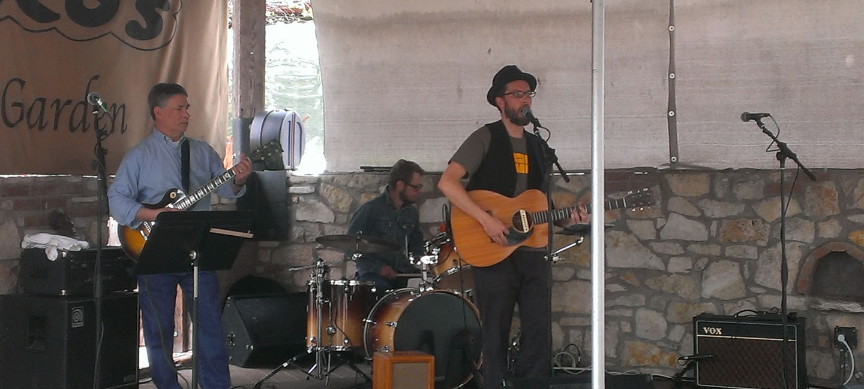 J plays the Oak Garden at Guero's